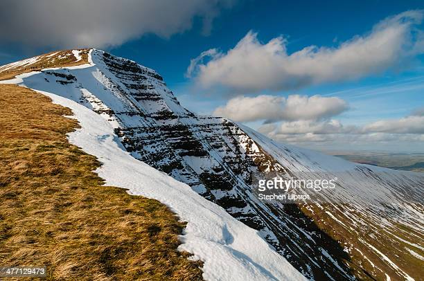 pen-y-fan, brecon beacons - south wales stock pictures, royalty-free photos & images