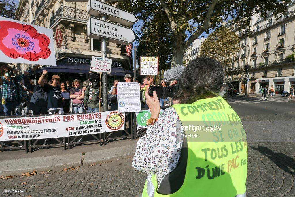Gathering in Paris Against The Glyphosate : Photo d'actualité