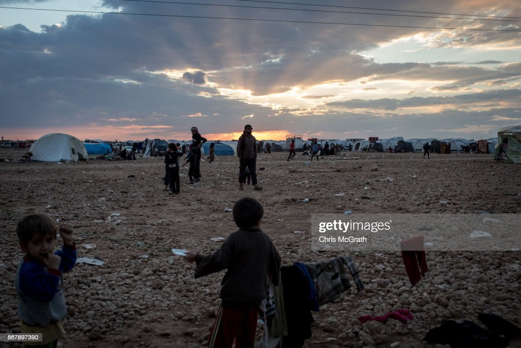Civilians Continue To Arrive At IDP Camps After Liberation Of Raqqa : Nachrichtenfoto