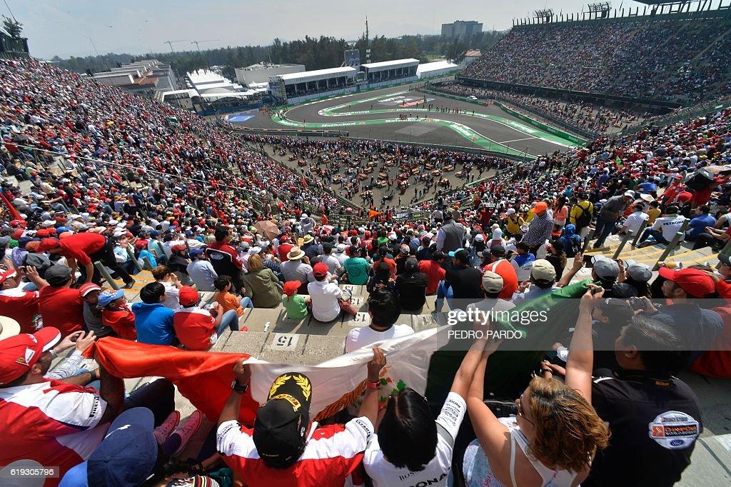 TOPSHOT-AUTO-PRIX-MEX-F1-RACE : News Photo