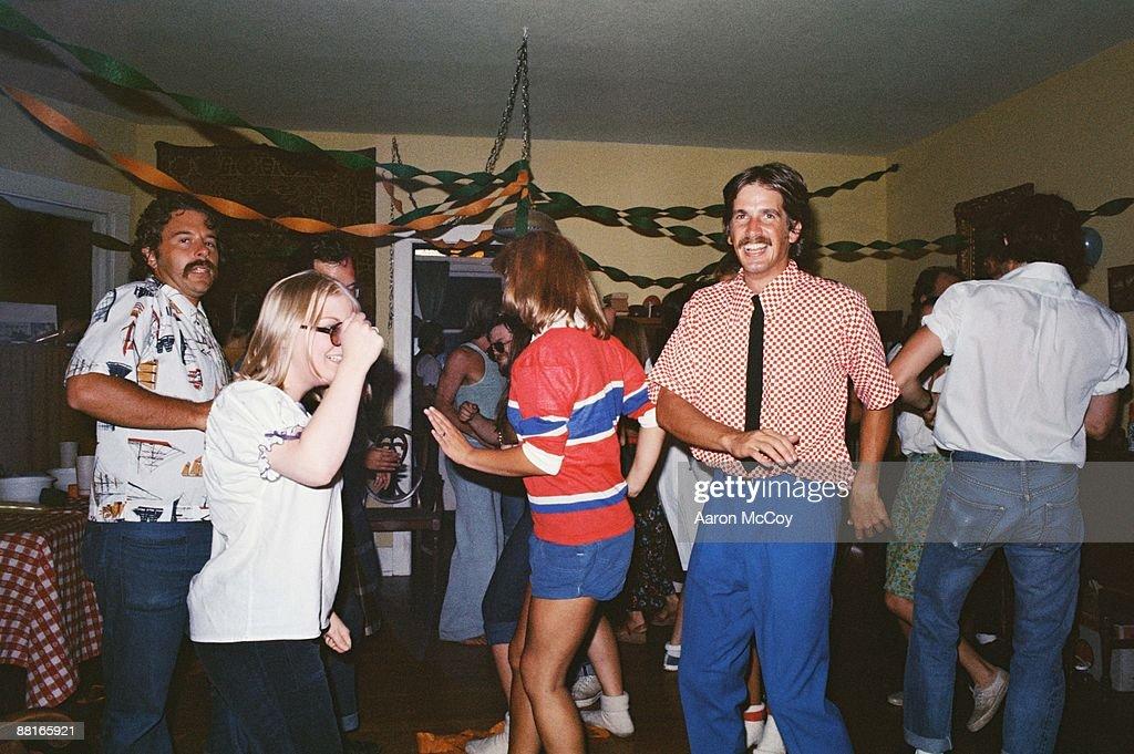 People at a party : Bildbanksbilder