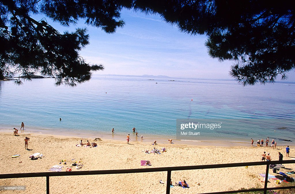 People at Canyelles Petites, near Roses, Costa Brava, Catalonia, Spain : Foto de stock