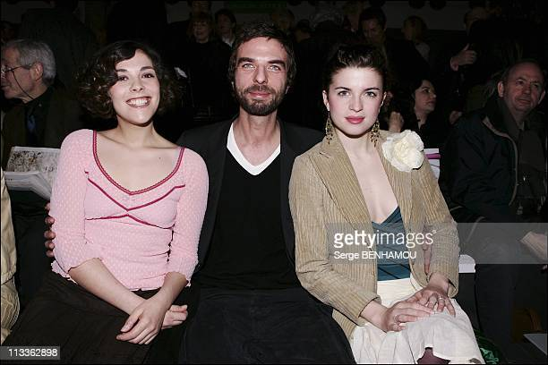 People At Chanel FallWinter 20052006 Ready To Wear Fashion Show On March 4Th 2005 In Paris France Alysson Paradis John Nollet Cecile Cassel