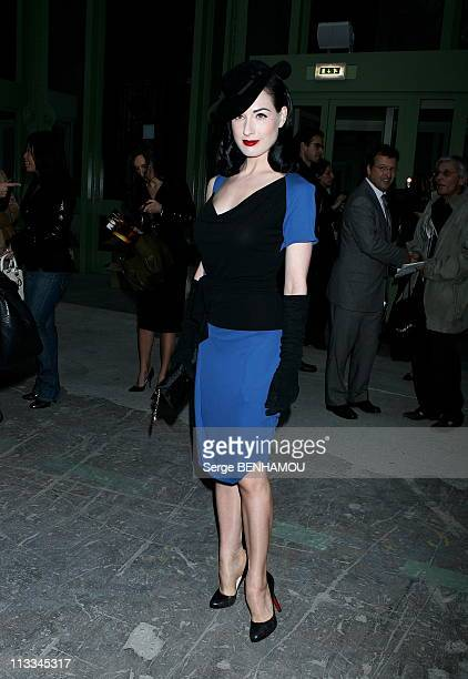 People At Dior Ready To Wear SpringSummer 2007 Fashion Show On October 3Rd 2006 In Paris France Here Dita Von Teese