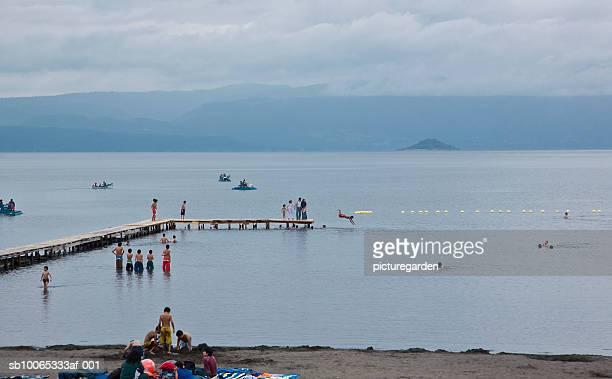 People at Lago Villarica