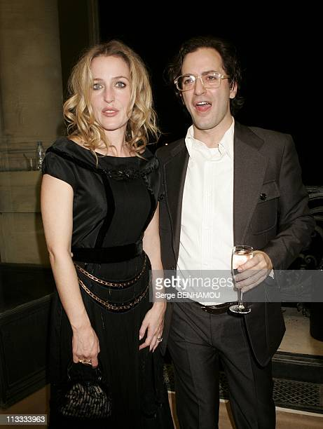 People At Louis Vuitton Ready To Wear SpringSummer 2006 Fashion Show On October 9Th 2005 In Paris France Here Gillian Anderson And Mark Jacobs