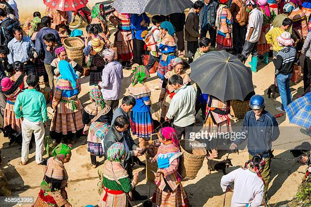 people at market, vietnam - sapa stock pictures, royalty-free photos & images