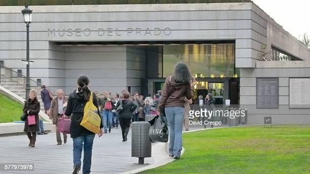 People at Museo del Prado
