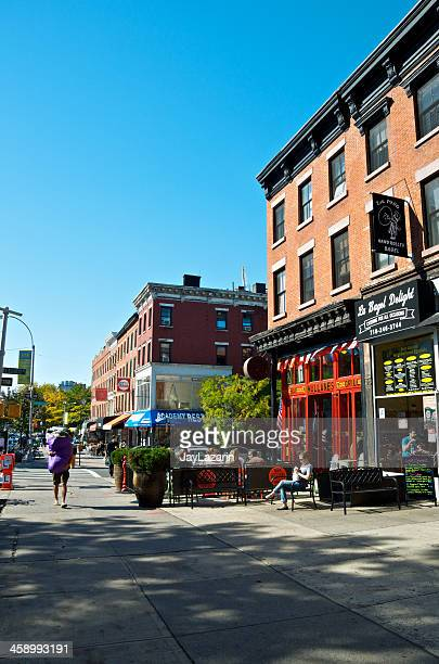 people at outdoor tables of restaurant, brooklyn, new york city - fort greene stock pictures, royalty-free photos & images