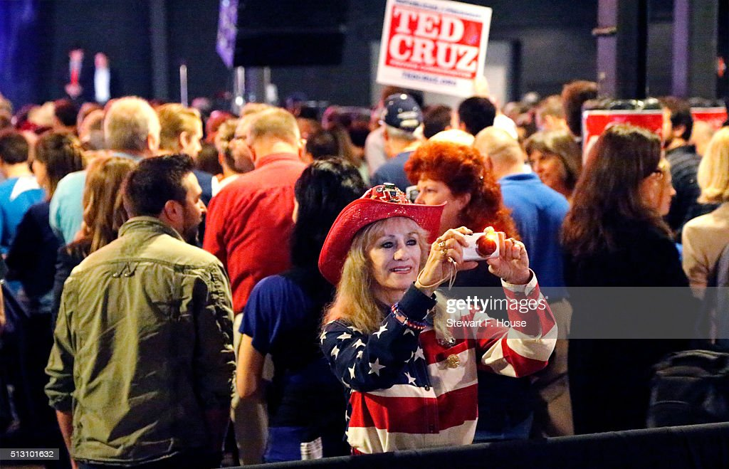 People attend a rally by Republican presidential candidate Sen. Ted Cruz (R-TX) at Gilley's Dallas the day before Super Tuesday February 29, 2016 in Dallas, Texas. Candidates have spread themselves out over the U.S. in the lead up to Super Tuesday where twelve states will hold primary voting.