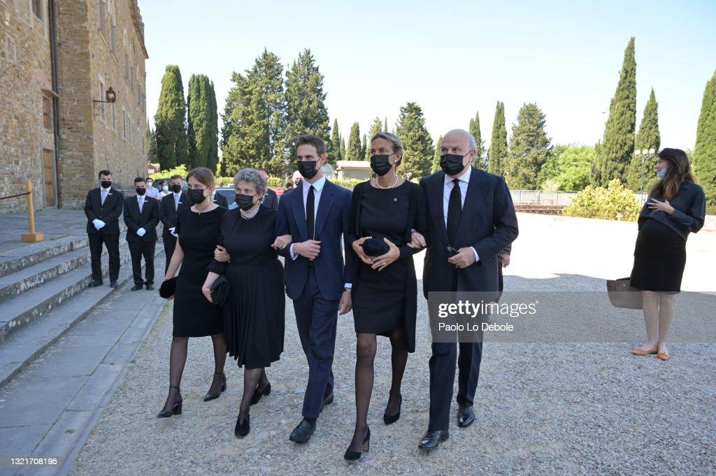 Prince Amedeo Di Savoia, Duke Of Aosta, Funeral In Florence : Nachrichtenfoto