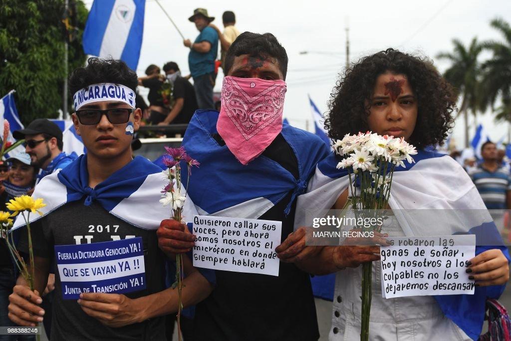 NICARAGUA-UNREST-MARCHA DE LAS FLORES : News Photo