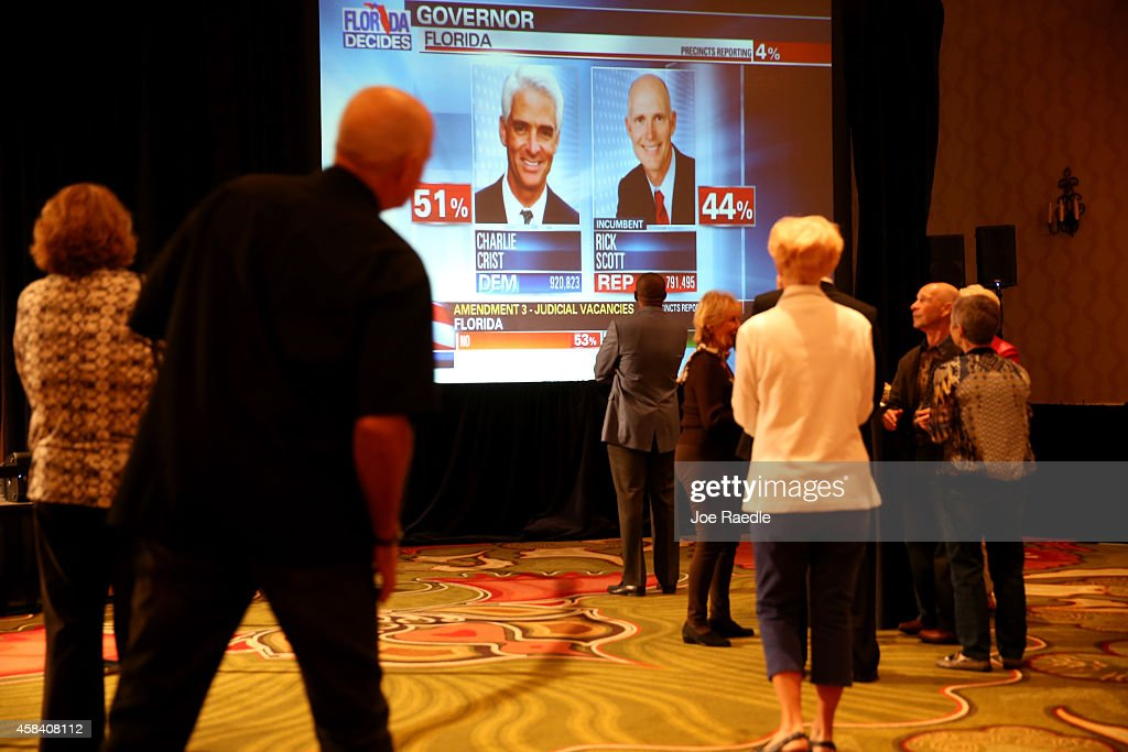 Former Florida Gov. And Gubernatorial Candidate Charlie Crist Attends Election Night Rally : News Photo