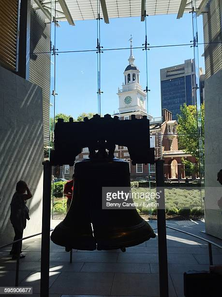 people by memorial liberty bell - liberty bell stock pictures, royalty-free photos & images