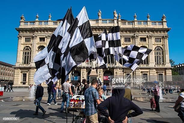 people celebrating 32° scudetto for juventus football club - club football 個照片及圖片檔