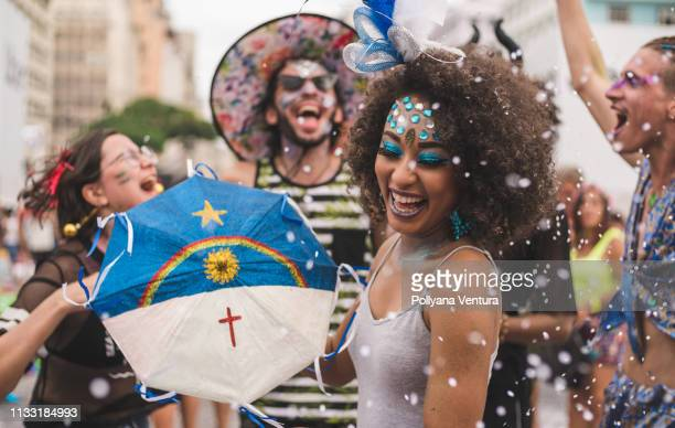 people celebrating carnival - brazilian carnival stock pictures, royalty-free photos & images