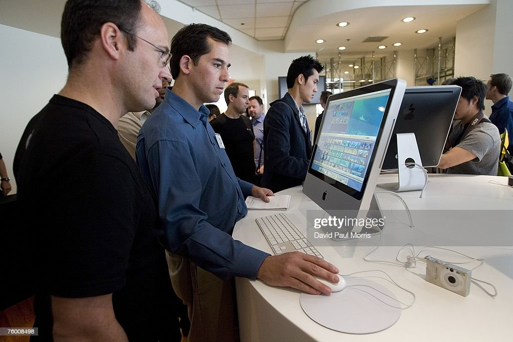 Apple Introduces New Versions Of The iMac Computer And  iLife Applications : News Photo