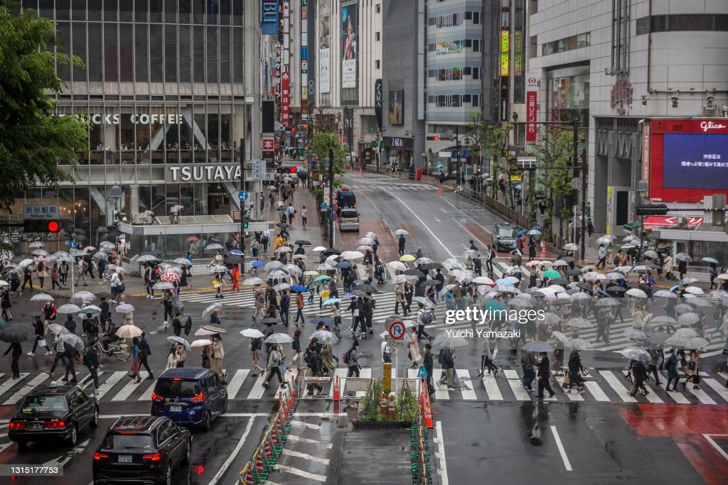 Japan's Annual Golden Week Holidays Begin Amid Third Coronavirus State Of Emergency : ニュース写真