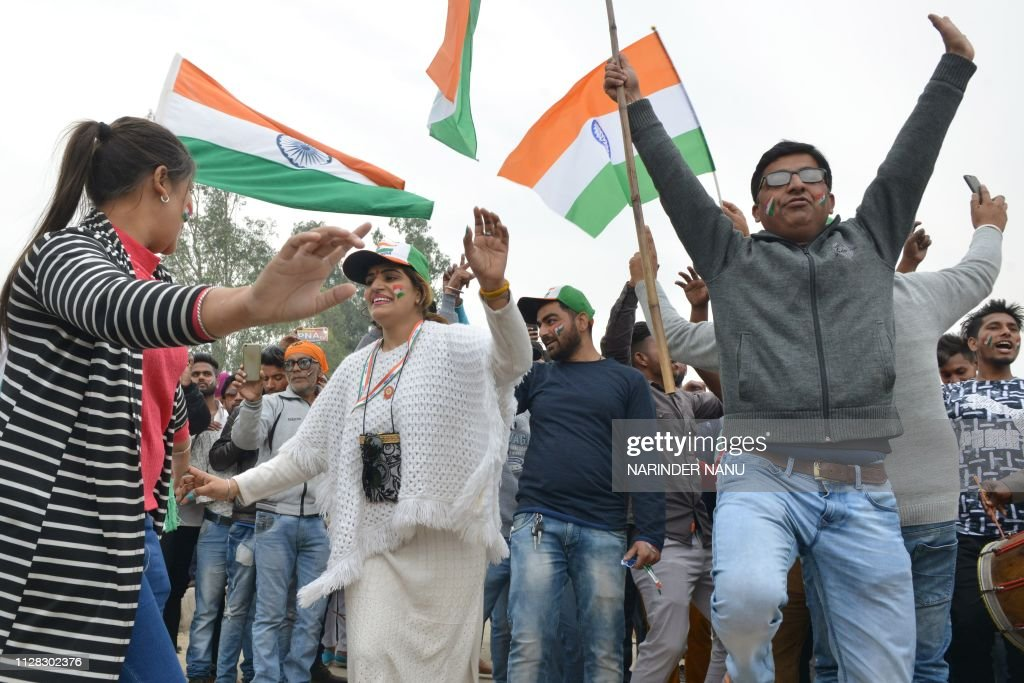 INDIA-PAKISTAN-CONFLICT-PILOT-KASHMIR : News Photo