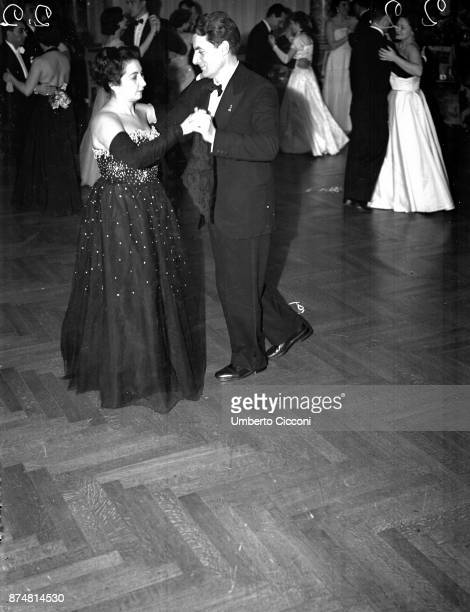 People dancing at the Catholic Press party 1950