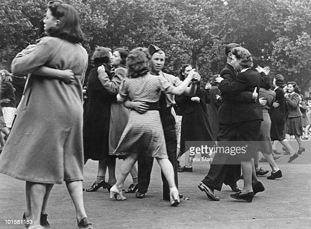 People dancing in Southwark Park south London during World War II 1942 The dance is one of several events organised in the UK to discourage people...