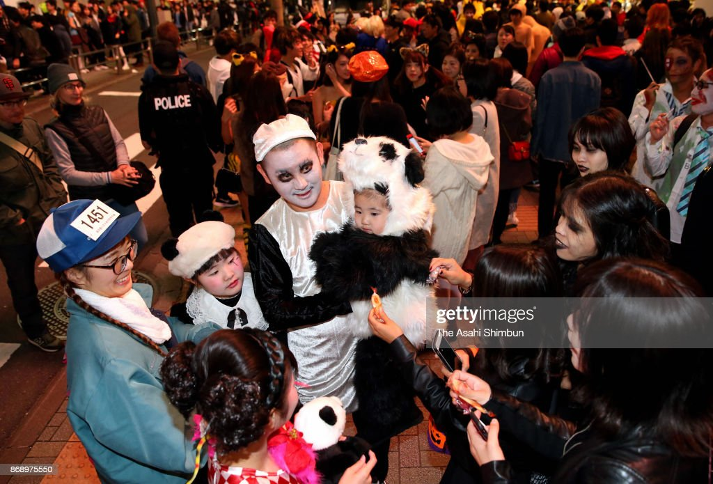 People Enjoy Halloween In Japan Photos and Images | Getty Images