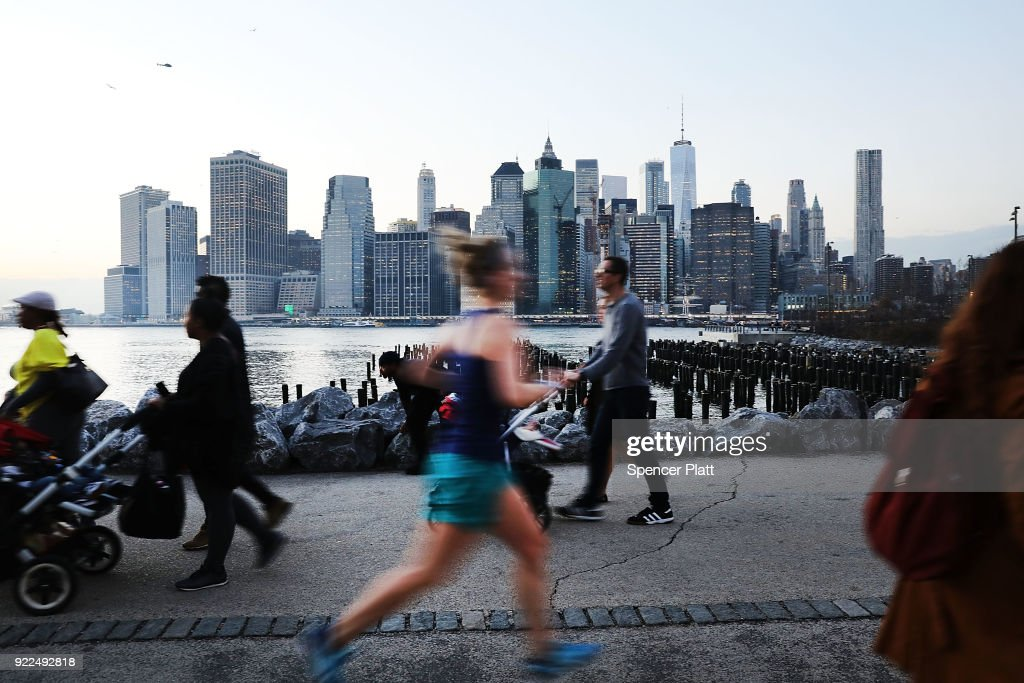Unseasonable Warm Spell Brings Springlike Weather To New York In February