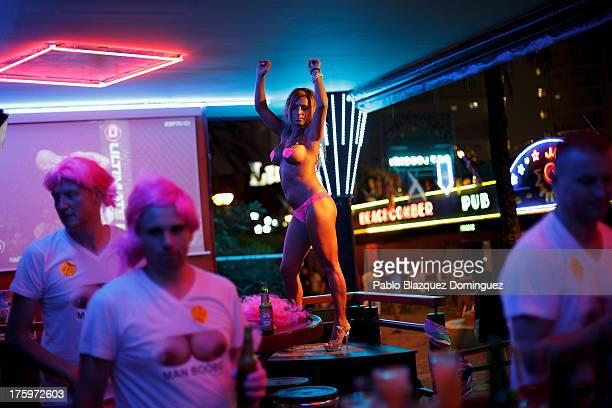 Blackpool topless bars, nude bbw models