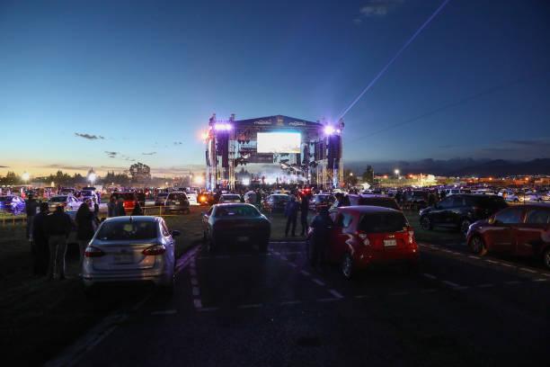 MEX: Moderatto Drive-in Concert