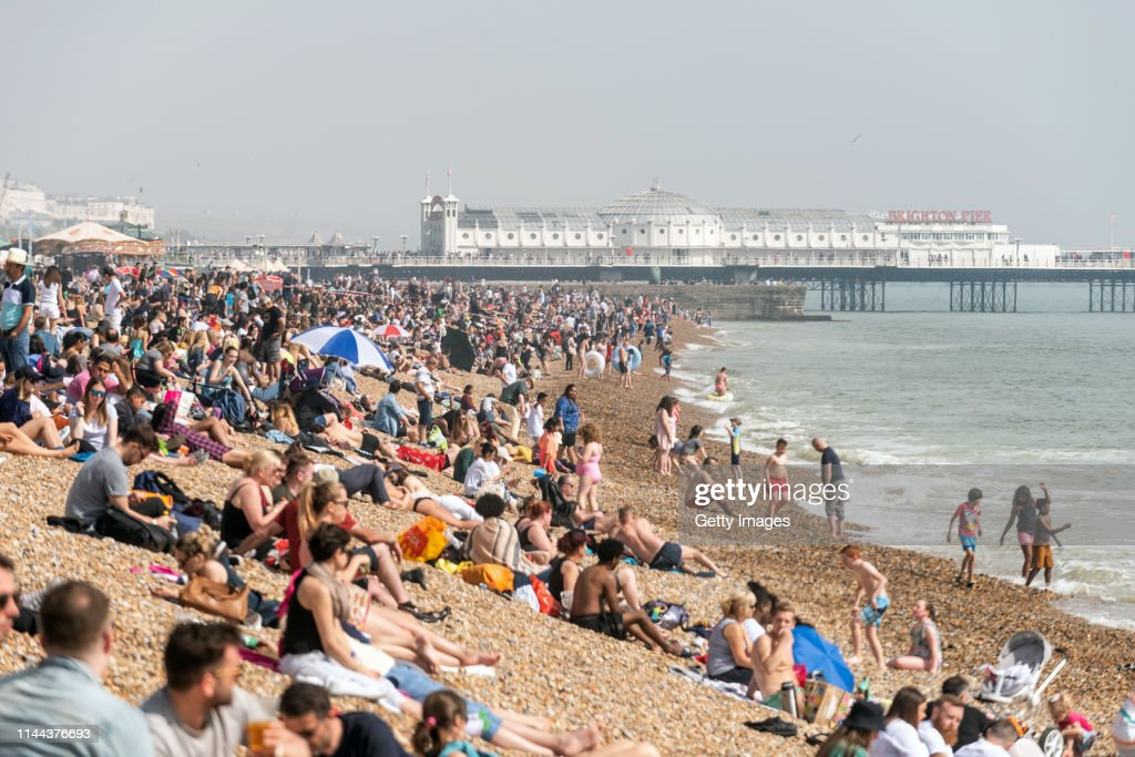 UK Set For Hot Weather Over Easter Weekend : Foto di attualità