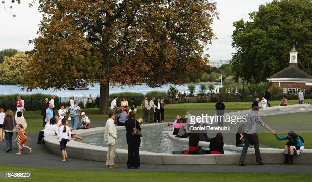 People enjoy the Princess Diana Memorial Fountain on August 31 2007 in London England The 10th anniversary of the death of Diana Princess Of Wales is...