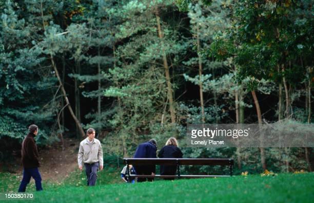People enjoying Bois de la Cambre.