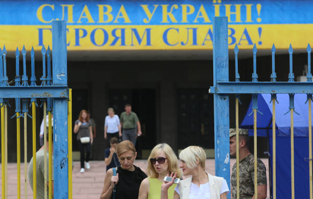 UKR: Ukraine Waits For Parliamentary Elections Results