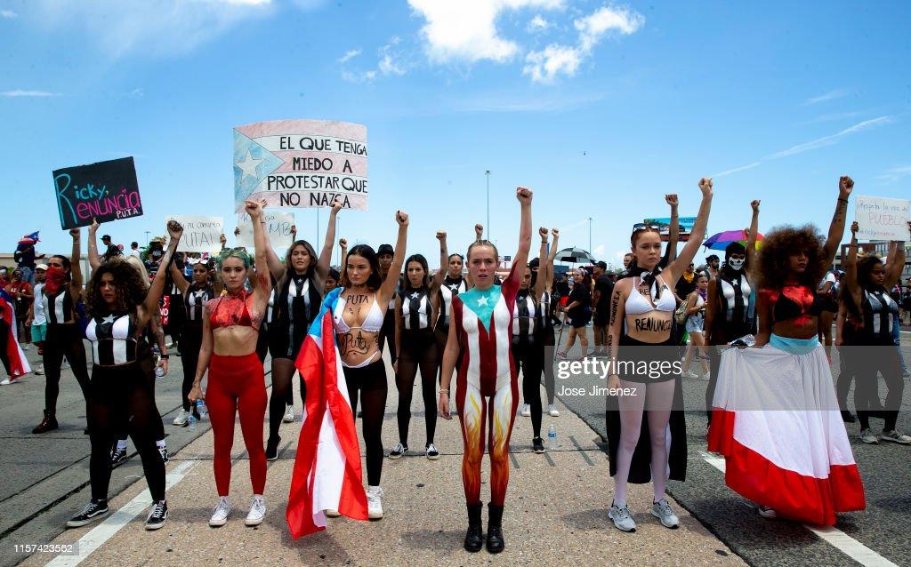 Protesters Demand The Resignation Of Puerto Rico's Governor Ricardo Rossello : Nyhetsfoto