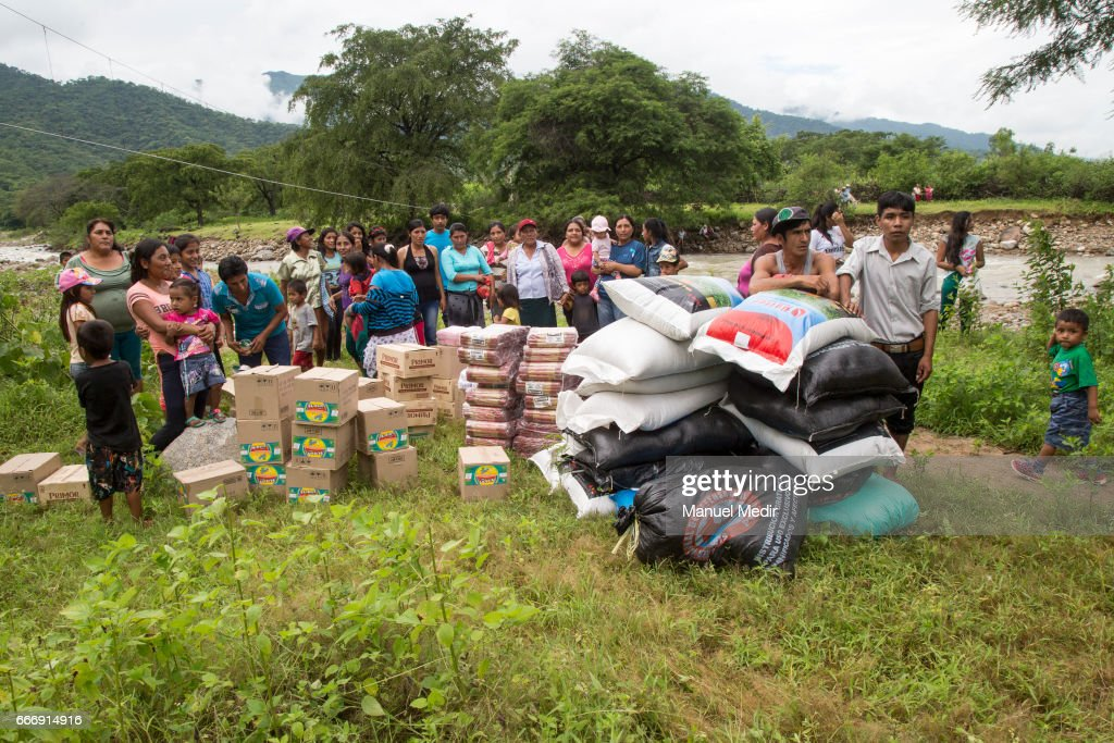 Peruvian Air Force Distributes Supplies to Affected Population in Piura : News Photo