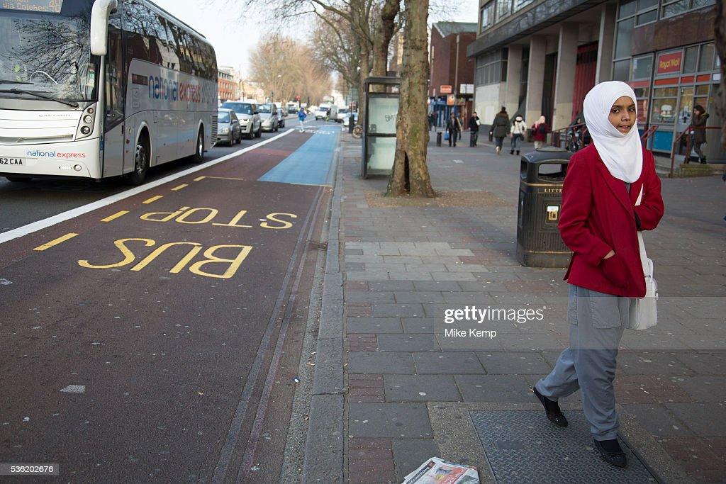 UK - London - Multi cultural Muslim community in Whitechapel : News Photo