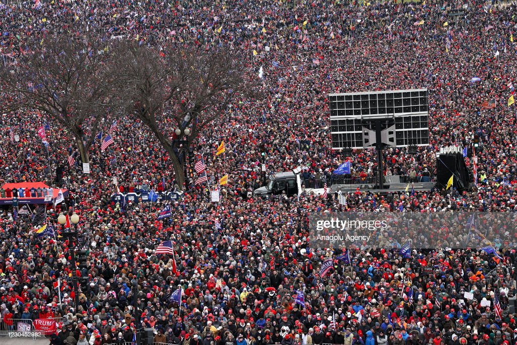 """Trump holds rally in Washington D.C as """"Save America March"""" : ニュース写真"""