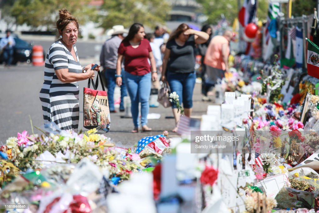 El Paso Mourns Victims Of Mass Shooting That Killed 22 And Wounded Dozens : News Photo
