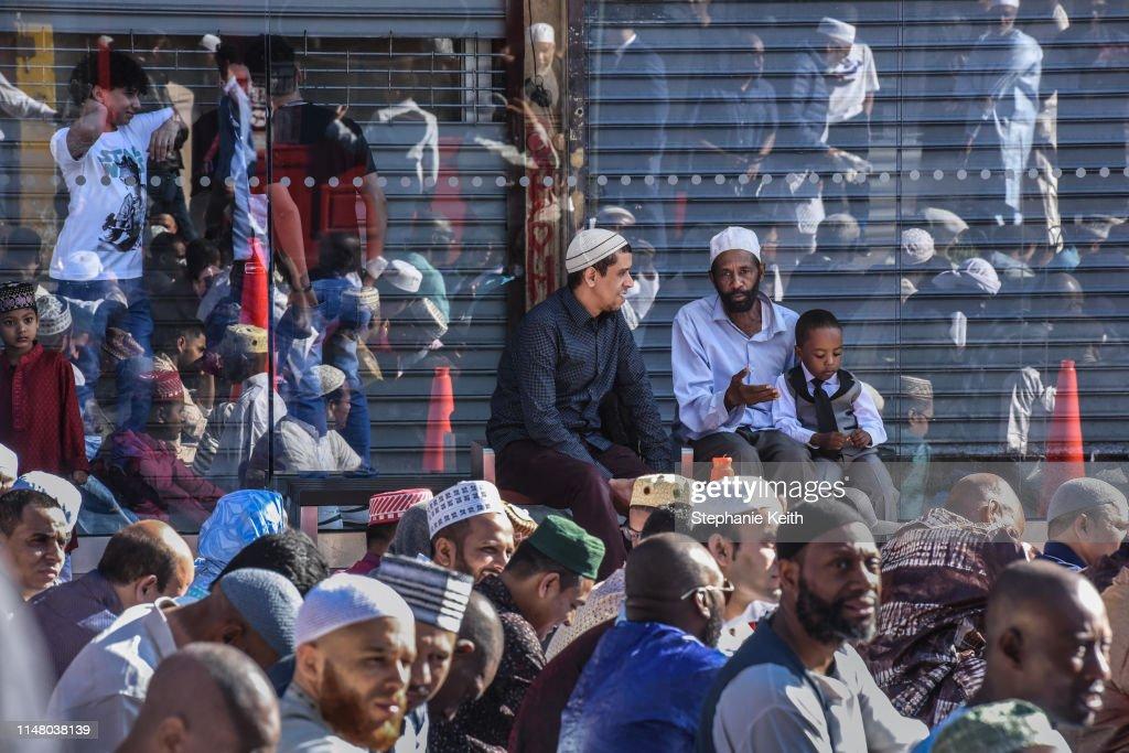 End Of Ramadan Is Celebrated In Brooklyn With The Eid Al-Fitr Festival : Nieuwsfoto's