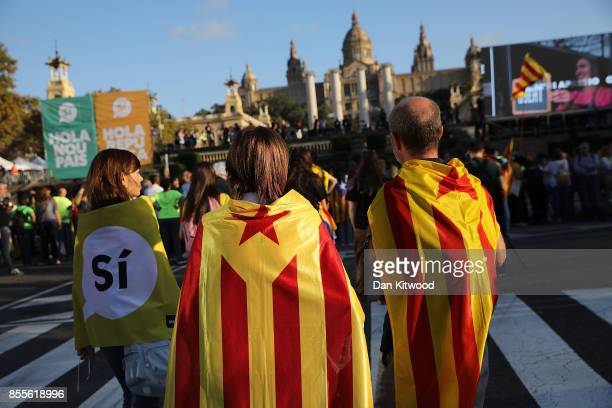 People gather at the final proindependence rally at Plaza Espana ahead of Sunday's referendum vote on September 29 2017 in Barcelona Spain The...