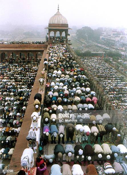 People gather the at Shahi Jama Mosque during Eid alFitr prayer in New Delhi on January 191999 Muslims everywhere marked the Muslim feast of Eid...