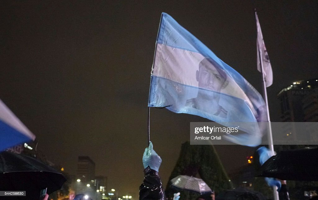 #Lio Don't Leave: Support in Buenos Aires : News Photo