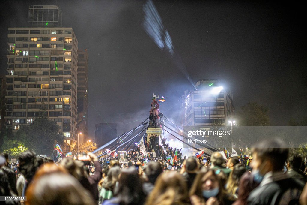 Celebrations in Chile as voters back rewriting constitution : News Photo