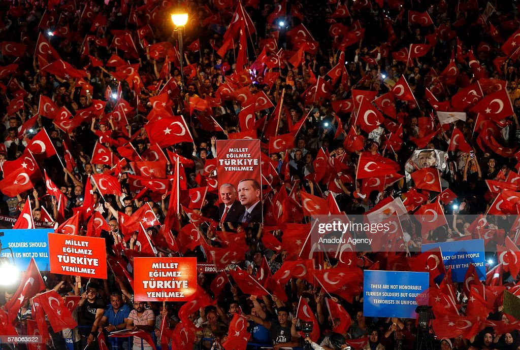 Turkey stand against failed military coup attempt : News Photo