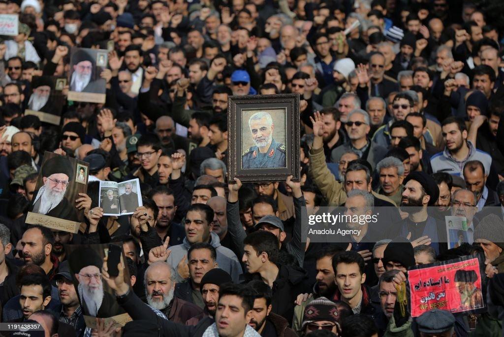 Protest in Iran after killing of Iranian Revolutionary Guards' Quds Force commander Qasem Soleimani : ニュース写真