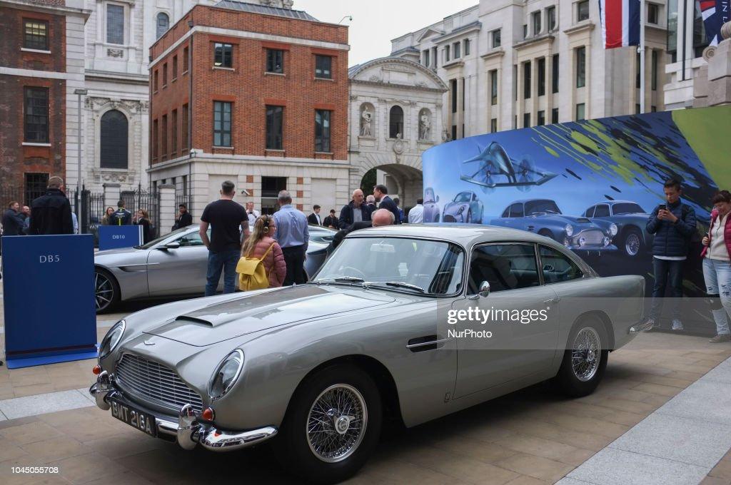 Aston Martin Makes Trading Debut On London Stock Exchange : ニュース写真