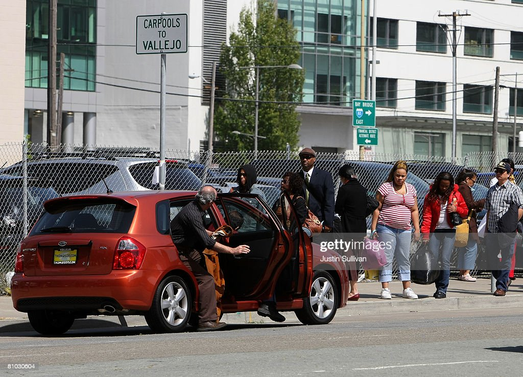 Bay Area Residents Take Advantage Of Public Car Pooling Location : News Photo