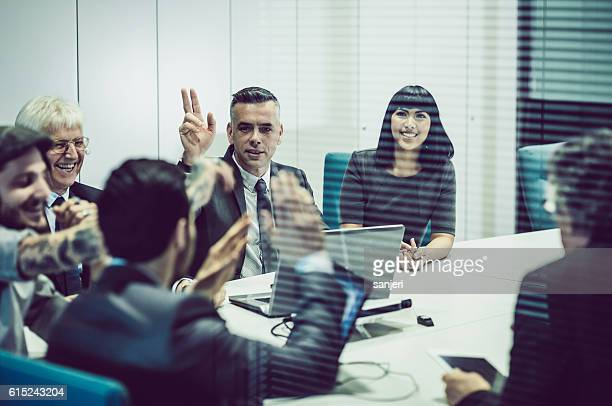 people having a business meeting - finance and economy stock pictures, royalty-free photos & images
