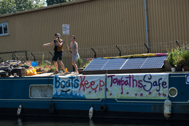 GBR: Boat-dwellers Protest At Gentrification Of Hackney