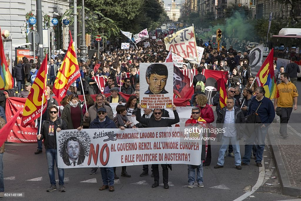 Rally against Renzi and constitutional reform : News Photo